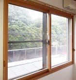 騒音対策で内窓インプラスを取り付け