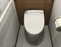 ウォシュレットが故障した機会に収納付きトイレのリフォレに取替え