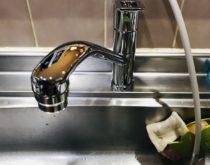 台所のシングルレバー混合水栓を新しく取り替えました!!