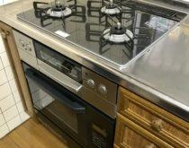 オーブン一体型のコンロを新しい電子コンベックとビルトインコンロに取り替えさせていただきました
