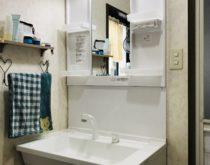 水漏れしていた洗面化粧台をシンプルなTOTOのVシリーズに取り替え