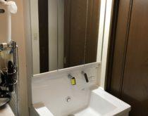 スライドタイプの収納が使いやすい!洗面化粧台をTOTOのサクアに取り替え