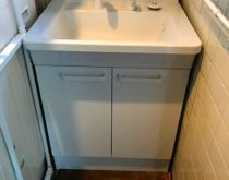 洗面台を新しく取替え