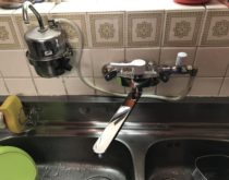 長年ご使用され、ぽたぽた水漏れしていた台所水栓を新しく取り替えました