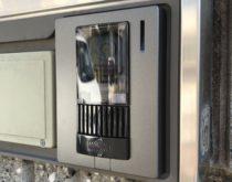ドアホンを録画機能付きのテレビドアホンに交換しました