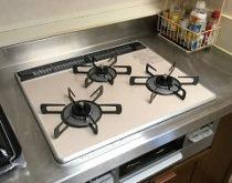 リンナイ・マイトーンと卓上型食洗機用に分岐水栓を設置しました。