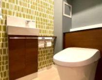 生まれ変わったトイレ空間とタッチレス水栓(キッチン・洗面)