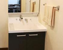水漏れから洗面化粧台の交換へ(LIXILピアラ くるくる水栓)