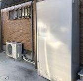 ガス給湯器からエコキュートに交換、薄型タイプで限られたスペースにもすっきり設置
