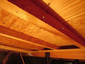 温水床暖房 床下工法