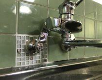 台所水栓を2ハンドルタイプからシングルレバー混合水栓に交換しました