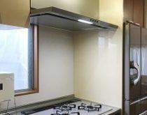 効きが悪くなっていた浴室換気暖房乾燥機とレンジフード、ビルトインコンロを一緒に交換