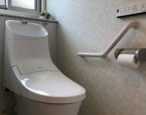 お手入れを簡単に!一体型トイレ交換事例、INAX DT-4873 ⇒ LIXIL アメージュZA(BC-ZA20P・DT-ZA282P)