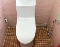 草津市、隅付タンク式のトイレからタンク一体型トイレ(ZR1)へ交換