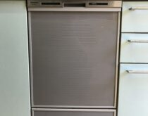 17年使用され故障してしまったビルトイン食器洗い乾燥機を新しく交換