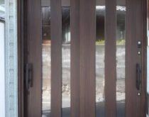 草津市、簡易タッチキーシステム(電気錠)の玄関ドアに交換🔑