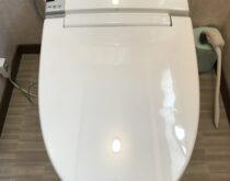 便座が割れてしまった温水洗浄便座(LIXILシャワートイレ)の交換
