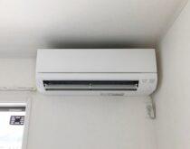 大津市にて2階子ども部屋に新しくエアコン(三菱・霧ヶ峰GV)設置しました